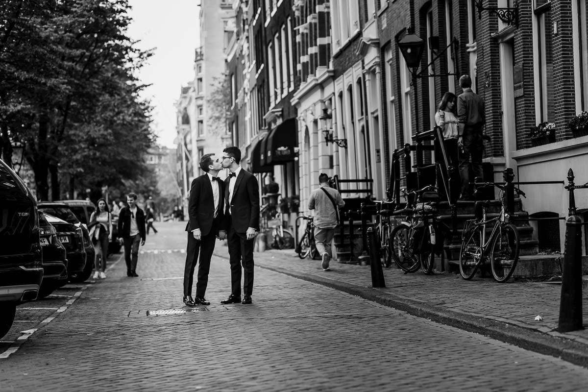 gay wedding photoshoot amsterdam